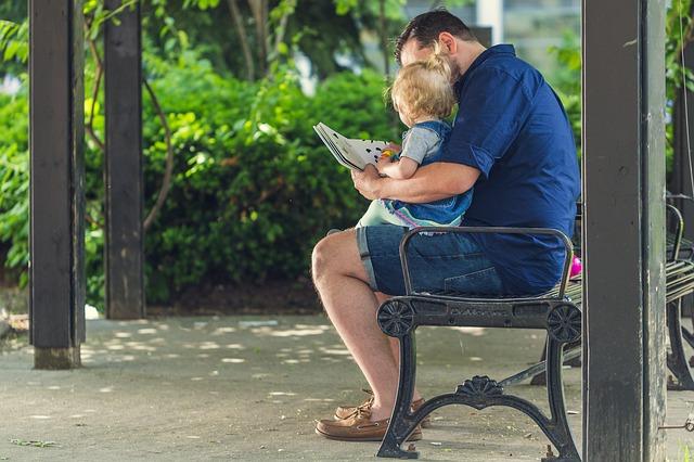 Vater sein heute – Möglichkeiten der Elternzeit
